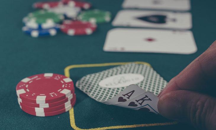 Ставки на покер онлайн в букмекерская контора лидер [PUNIQRANDLINE-(au-dating-names.txt) 25