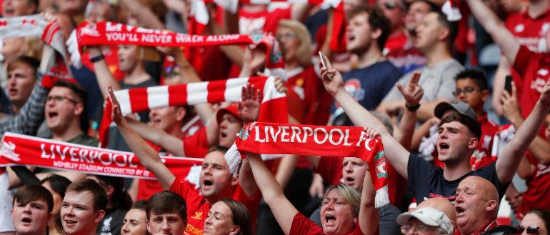 Футбол без зрителей: кому он пойдет во вред
